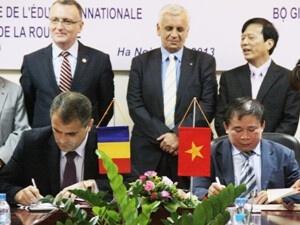 Tăng cường hợp tác giáo dục với Romania