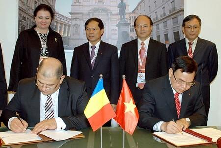 Thủ tướng Chính phủ Việt Nam tham dự hội nghị thượng đỉnh ASEM 10 - đối tác chiến lược