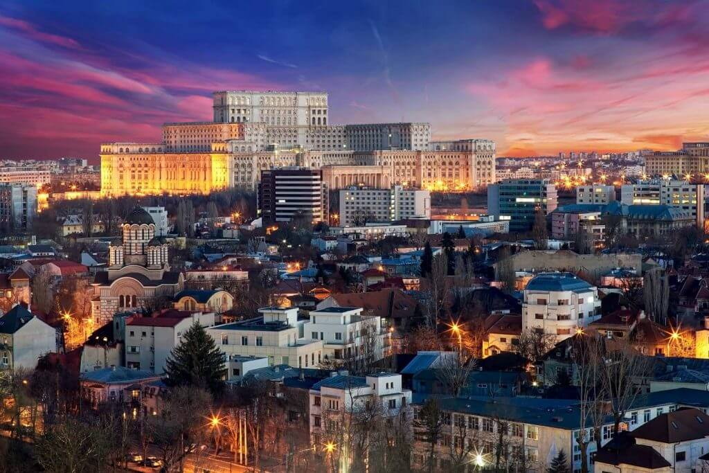 Thủ đô Bucharest – thành phố lớn nhất tại Romania.