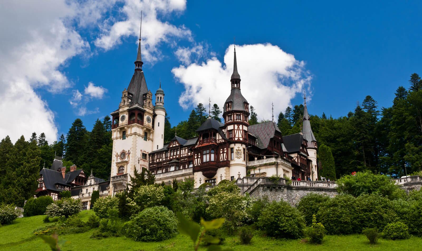 Lâu đài Peles - Điểm du lịch Romania nổi tiếng nhất