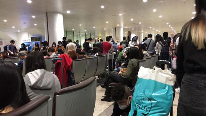 Việt Nam tạm dừng nhập cảnh với người nước ngoài